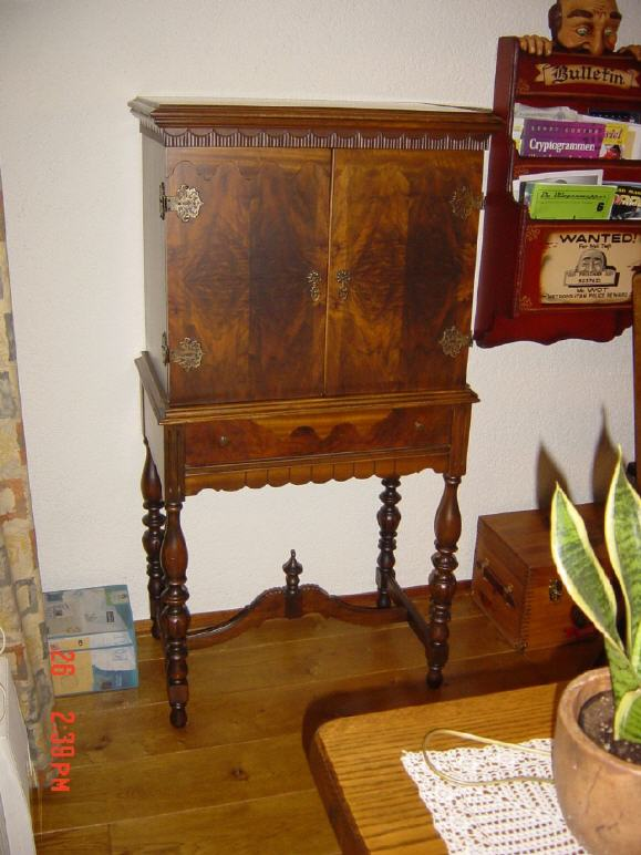 Maybe another idea for the cabinet you're looking for? - Antique Radio Forums • View Topic - All American Mohawk / Wurlitzer